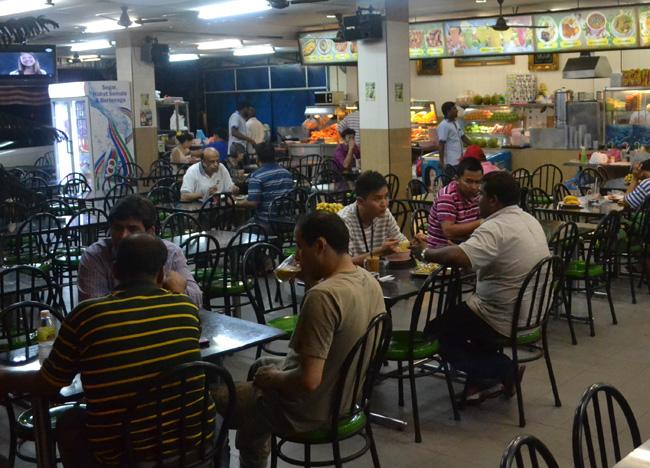 mamak-stall-seating-tea-terak.jpg