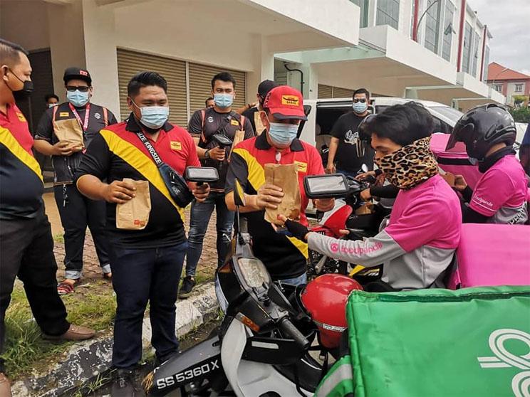 Sabah-agih-phone-holder.jpg