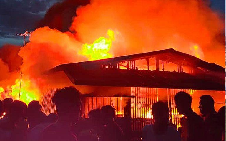 kampung-panji-terbakar-fb.jpg